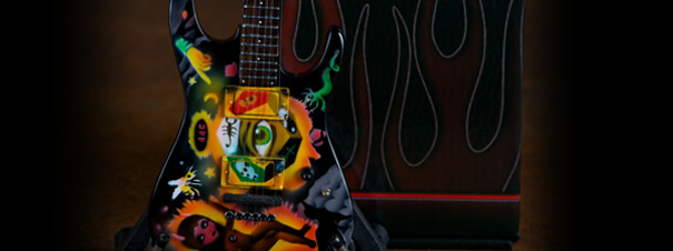 Guitarra en Miniatura Kirk Hammet Cult Theme One Eye